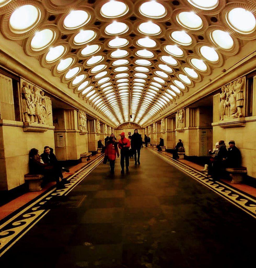 هرکدوم از ایتستگاههای مترو مسکو جلوه خاص خودشون رو داشتن!