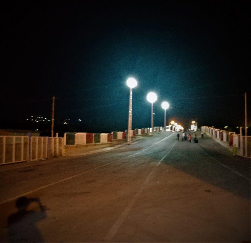 پل مرزی بین ایران و ارمنستان در نیمه های شب