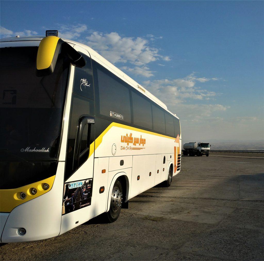 اتوبوسی که باهاش از تهران تا تفلیس رفتیم! در میانه های راه زنجان-تبریز